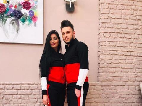 E oficial! Simina și Alex Zănoagă se căsătoresc! Ce s-a întâmplat la miezul nopții! Prima imagine cu inelul