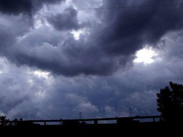 Meteo pe două săptămâni: vremea rămâne instabilă în toată țara