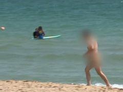 """Imagini incredibile de pe plajele din Eforie! Reacția unei femei când a văzut câți nudiști sunt: """"Am rămas cu gura căscată"""""""