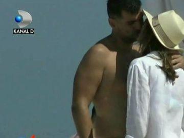 Simona Halep nu își mai ascunde iubitul! S-au sărutat pe plajă, în văzul tuturor