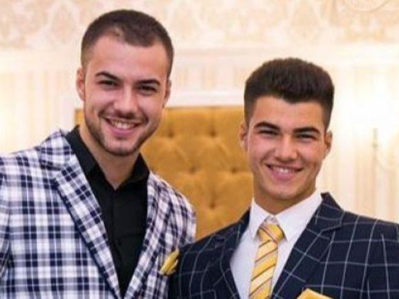 """Imaginile pe care frații Sterp ar da orice să le vadă live! Roxana și Simona de la """"Puterea Dragostei"""", show total, la piscină! Culiță și Iancu vor face infarct! FOTO EXCLUSIV"""