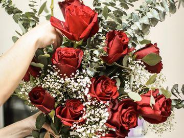 Trandafiri criogenati sau trandafiri proaspeti? Voi ce alegeti?