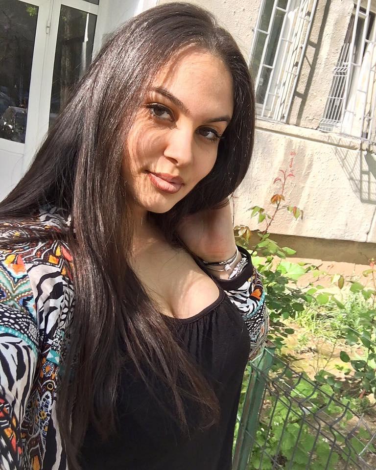 Ea e tânăra din Giulești care a murit de leucemie la 17 ani. Sorinel Puștiu trebuia să-i cânte la nuntă, însă a ajuns să o facă la parastas