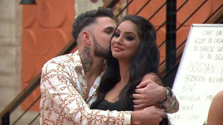 Doamne, ce dezmăț! Alex Zănoagă și Simina de la Puterea Dragostei se pregătesc să se mute împreună? Cum au fost surprinși cei doi