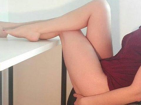 Tânără de 18 ani, scene erotice cu părinții la masă. E ireal ce a urmat!