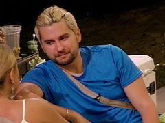 """Dezvăluiri șocante la Insulă! Bogdan: """"M-am sărutat cu câţiva băieţi la viaţa mea"""""""