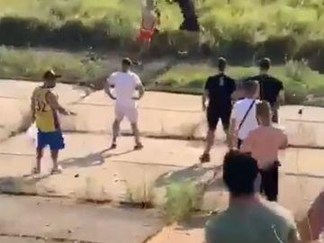 Ce a urmat după celebra bătaie cu pumni dintre Bebino și Bibiloi! Clanul Sportivilor a fost martor