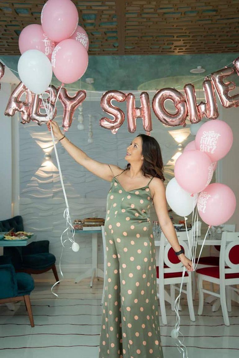"""Primele imagini cu """"războinica"""" Roxana Moise însărcinată în ultimul trimestru! Fosta concurentă de la Exatlon mai are puțin și naște"""