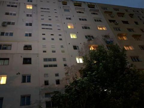 Caz șocant în România. O adolescentă de 14 ani a căzut de la etajul al treilea al unui bloc din Sibiu!