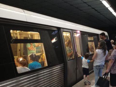 Alertă la metrou! Un bărbat s-a sinucis la stația Izvor! Circulația este blocată