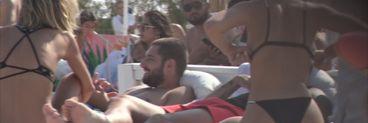 BOMBĂ ÎN SHOWBIZ! Cătălin Cazacu și Ramona Olaru sunt împreună! Avem primele imagini care au încins plaja cu cei doi la mare, ca un adevărat cuplu! VIDEO EXCLUSIV
