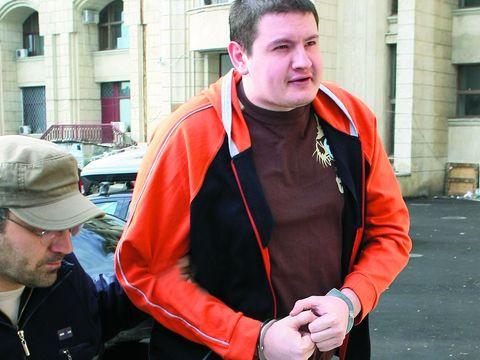 """Asemănări șocante între criminalul Gheorghe Dincă și """"monstrul din Brașov""""! Taximetristul Ionuț Nicolae a omorât două fete pentru bani"""