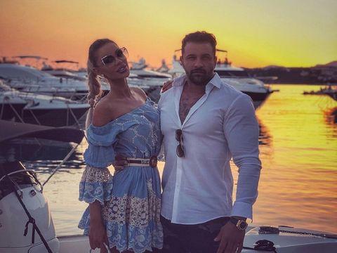 Ce ținută a ales Bianca Drăgușanu pentru cununia cu Alex Bodi! Toți ochii au fost pe ea
