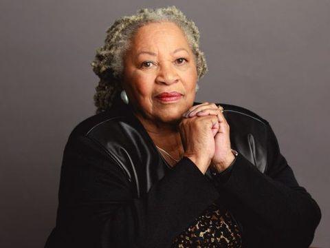 Doliu în întreaga lume! Toni Morrison, prima laureată afro-americană a premiului Nobel pentru Literatură, a murit