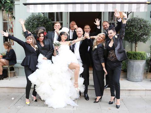 Cine a prins buchetul de mireasă la nunta lui DJ Wanda! E o vedetă ultra-cunoscută în showbiz-ul nostru