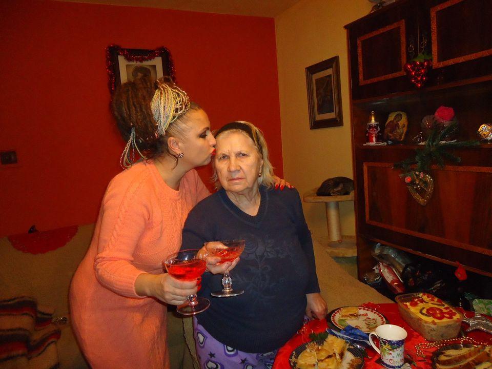 Carmen Pleșea, îmblânzitoarea de șerpi, și-a pierdut mama! Pe cine acuză vedeta de această tragedie