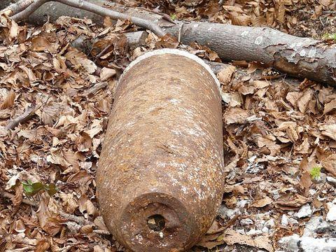 Stare de alertă în Bistrița Năsăud, după ce au fost găsite trei bombe neexplodate