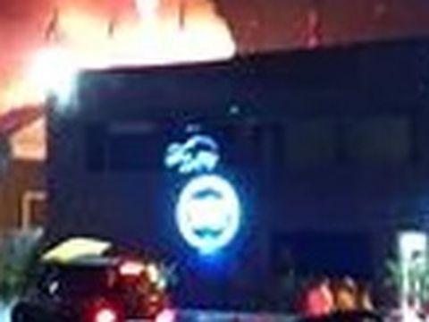 Ipoteză șocantă în cazul incendiului de la clubul de lux din Mamaia! Este a treia oară când localul ia foc