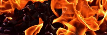 Incendiu puternic în secţia de psihiatrie a Spitalului Oradea! 24 de pacienţi evacuaţi, trei au arsuri