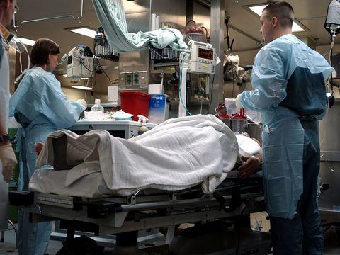 """Mesajul unui medic de la Urgențe a devenit viral! """"Să examinezi, să investighezi, să tratezi în medie 150 - 170 de pacienți în 12 ore în 2-3 medici"""""""