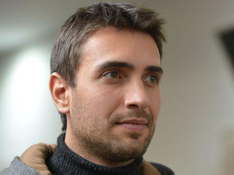 """Ulaş Tuna Astepe, Tahir, starul din 'Lacrimi la Marea Neagra', noul serial de la Kanal D: """"Am vazut moartea cu ochii!"""""""