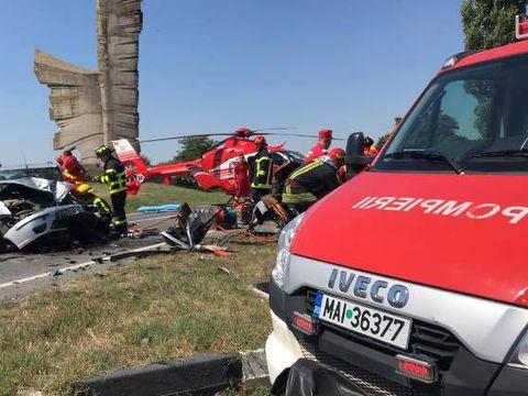 O nouă tragedie pe șosea. A murit după ce mașina lui a intrat într-un cap de pod!