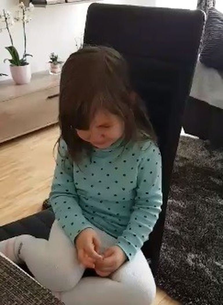 Apelul unui tată din București: Fetița lui nu se mai oprește din plâns!