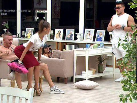 """Mariana i-a făcut striptease lui Rusu: """"Așa ceva nu am văzut în viața mea..."""""""