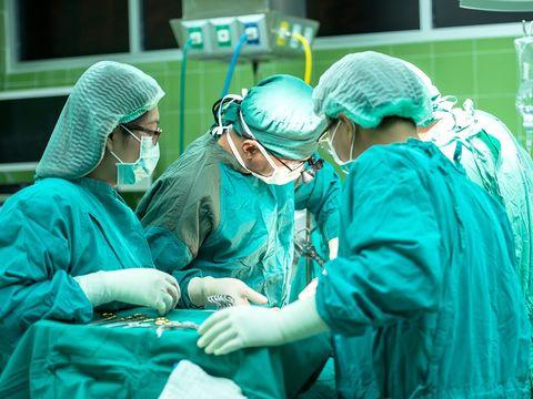 """Medic cu accident vascular, plimbat de la un spital la altul! """"În Craiova se poate muri cu zile"""""""