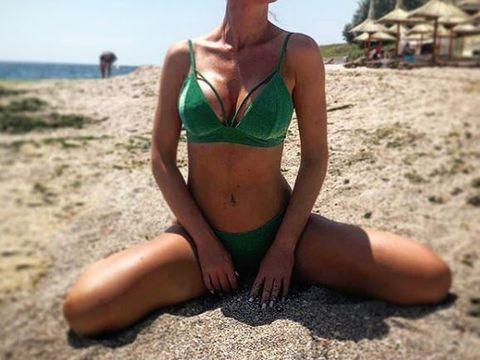 Hannelore a devenit o bombă sexy, dar suferă din dragoste! Internauții cred că de vină este tot Bogdan, fostul ei soț