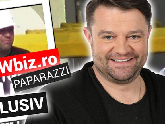 Andrei Duban își conduce familia, de pe trotinetă! Mesajul de pe tricoul lui i-a făcut însă pe toți să râdă VIDEO EXCLUSIV