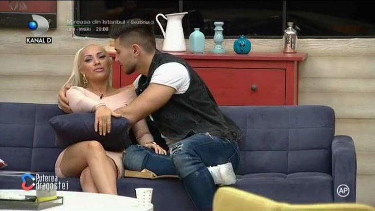 Andreea și Mocanu, scene tandre la Puterea Dragostei, chiar sub ochii Biei! S-a aplecat să o sărute și... Ce reacție a avut Bia