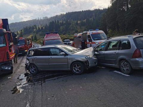 Accident grav în Suceava! 10 persoane implicate, printre care și doi copii