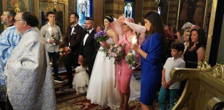 Surpriză! Gabriela Cristea, în lacrimi la nunta ei! Ce melodie i-a cântat Tavi și vedeta TV  nu s-a mai putut opri din plâns