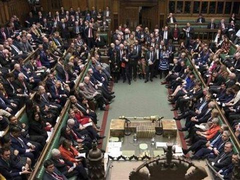 Dezastru politic în Marea Britanie! Parlamentul va fi suspendat!