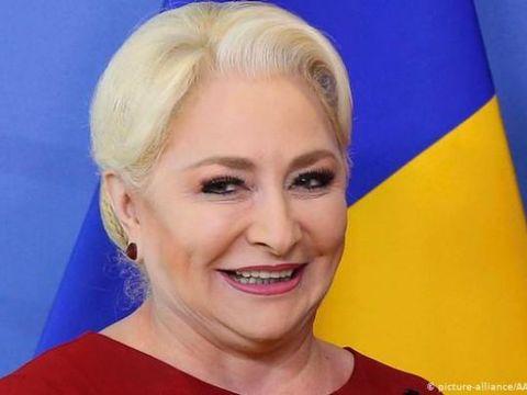 """Cristina Țopescu a făcut-o praf pe Viorica Dăncilă, după ce a văzut ce ținută pompoasă și-a ales pentru o vizită în țară: """"Câtă minte să ai?"""""""