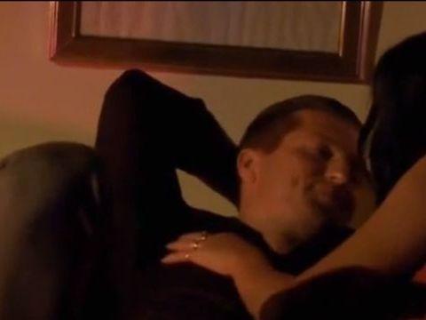 Daniela Crudu, filmată în timpul unei scene de amor. Bruneta s-a dezbrăcat de inhibiții, dar a uitat un detaliu important!
