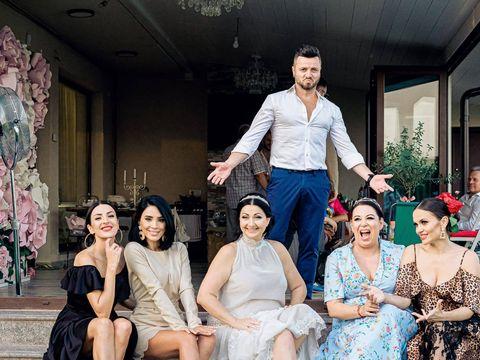 """Apariția fabuloasă a lui Tavi Clonda și a Gabrielei Cristea! Fotografia de la nunta celor doi care a stârnit aprecierea fanilor: """"Ce bine e să ai prieteni adevărați"""""""