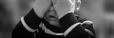 """Strigător la cer! Copil de trei ani, pus de mama sa să se sinucidă: """"Nu plânge. Eu o să râd că tu o să te odihnești"""""""