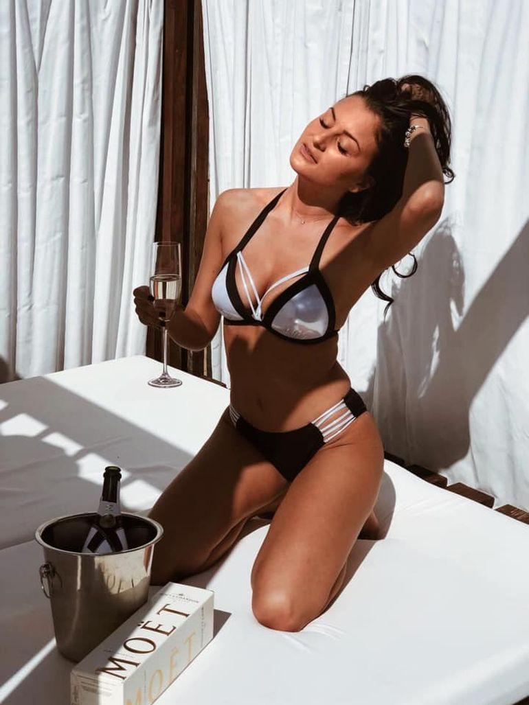 Alex Bobicioiu s-a cuplat cu cea mai frumoasă femeie din județul Alba! Cine este bomba sexy dezamorsată de fostul concurent de la Puterea Dragostei?
