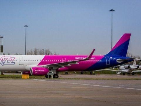 Un avion Wizz Air a aterizat de urgență pe Otopeni! Ce probleme a avut. Reacția companiei