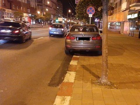 Primarul a decis să fie ridicate mașinile parcate neregulamentar, dar a fost prins parcând pe interzis! Despre cine este vorba