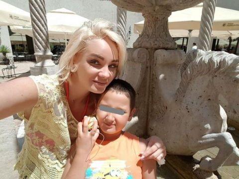 Băiatul Mariei Constantin a început școala! Cum arată Codruț FOTO