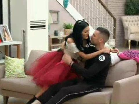 Bianca și Livian, scene fierbinți la Puterea Dragostei! S-au întins pe canapea și... Andreea Mantea i-a prins în flagrant!
