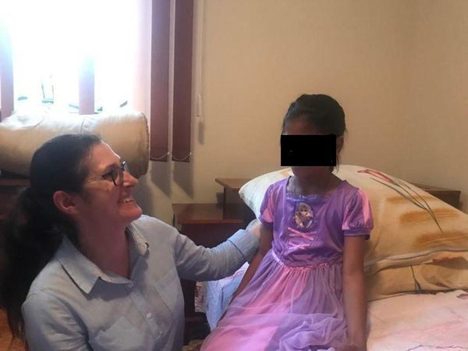 Cazul adopţiei Sorinei s-a închis. Decizia instanţei este definitivă!