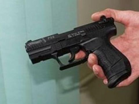 Alertă maximă! Un bărbat a intrat înarmat într-un spital din România