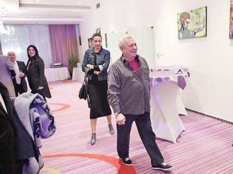 Mădălin Voicu se iubește cu directoarea lui de cabinet! Adriana este subalterna dirijorului la Ministerul Culturii