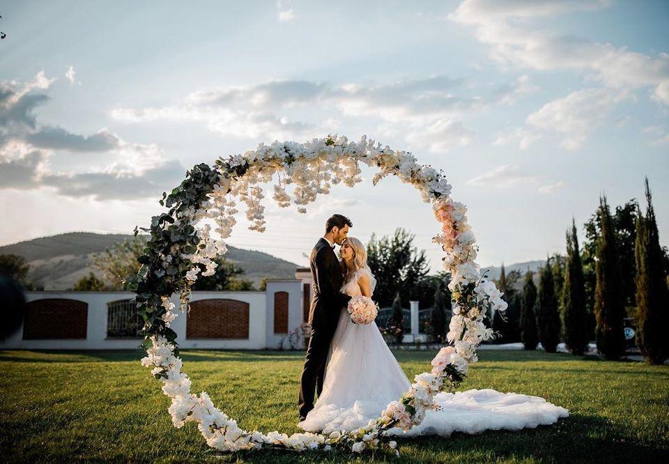 Andreea Bălan, nuntă și botez: avem primele imagini! Ce se întâmplă acum la evenimentul organizat de cântăreață | EXCLUSIV