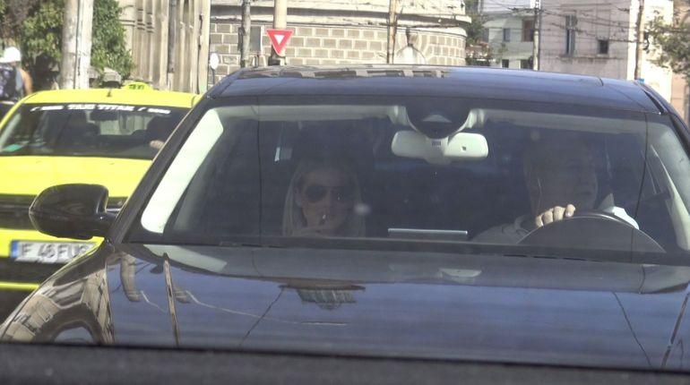 Imagini fabuloase! Dorin Cocoş şi-a certat iubita pentru că a fumat în maşină! Vezi cum a reacţionat Raluca! VIDEO EXCLUSIV