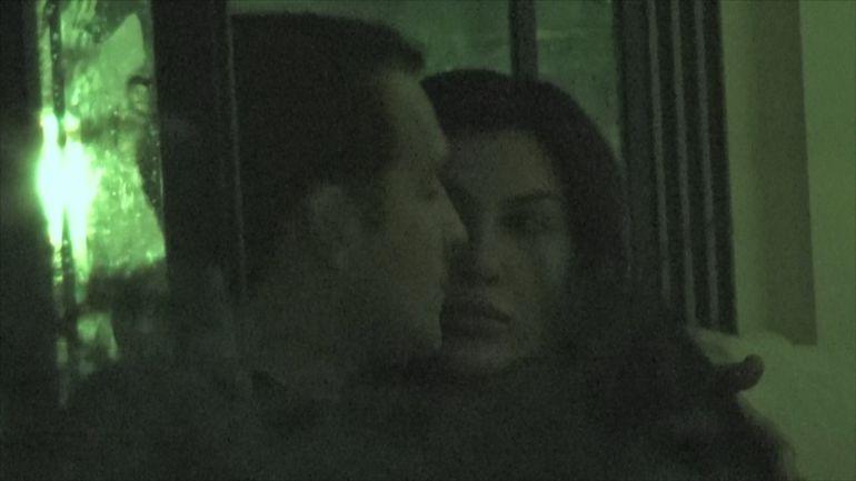 Syda, sarut pasional cu o olteancă fierbinte! Senzuala Sheila l-a făcut să uite pe fostul soț al Elenei Băsescu de problemele în amor VIDEO EXCLUSIV
